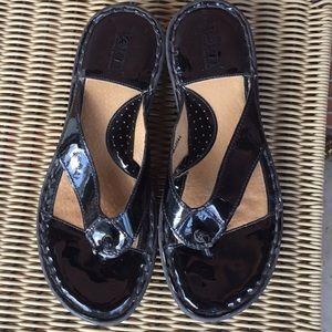 Born Black Leather Sandals 🌷